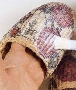 Отделка плетеных изделий лаком, эмалью и металлами